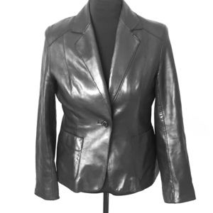 Andrew Marc women's size M black leather jacket